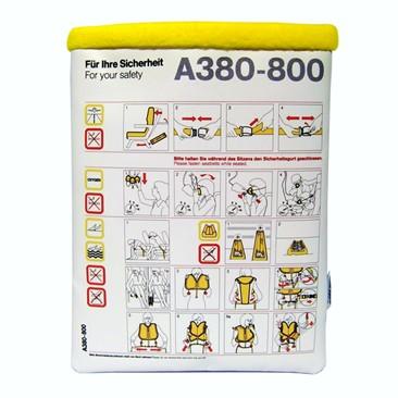 Flugzeuggürtel in Tablet Tasche / Gelb
